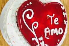 Valentines-Day-in-Colorado-Spring-Fling-Cakes-in-Colorado-Mothers-Cakes-in-Colorado-Wedding-Cakes-in-CO-Christening-Cak-13