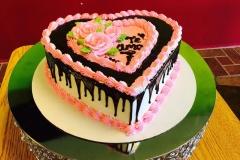 Valentines-Day-in-Colorado-Spring-Fling-Cakes-in-Colorado-Mothers-Cakes-in-Colorado-Wedding-Cakes-in-CO-Christening-Cak-9